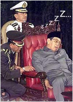 gusdur tidur rapat mpr