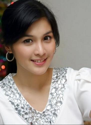 sandra_dewi_cantik__ada_chinesenya.jpg