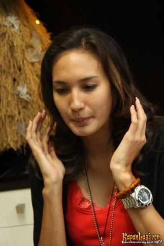 10 tercantik dan terindah artis indonesia - Page 2