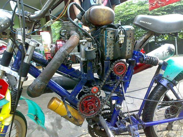 Mesin 2 Tak] Sepeda motor dari mesin potong rumput