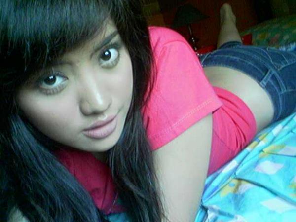 http://www.indonesiaindonesia.com/imagehosting/images/19019/2_cewek_cantik_seksi_hot_44.jpg