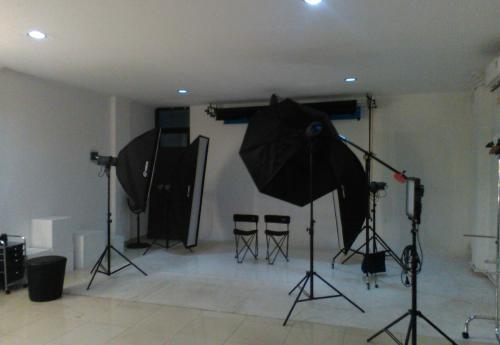 Penyewaan Studio Foto dan jasa Fotografer videografer event