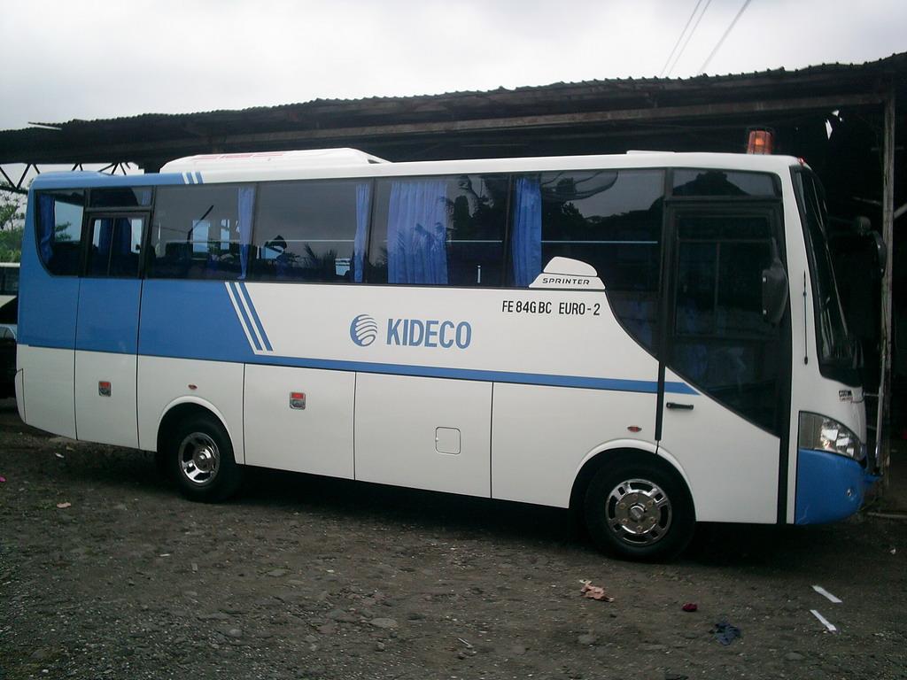 Foto Gambar Mobil Bus Karoseri Terbaru