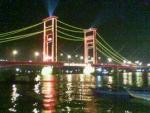 Jembatan Ampera Diwaktu Malam.JPG