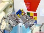 rubik robot 1-shirogadget-  250 x 188 .jpg